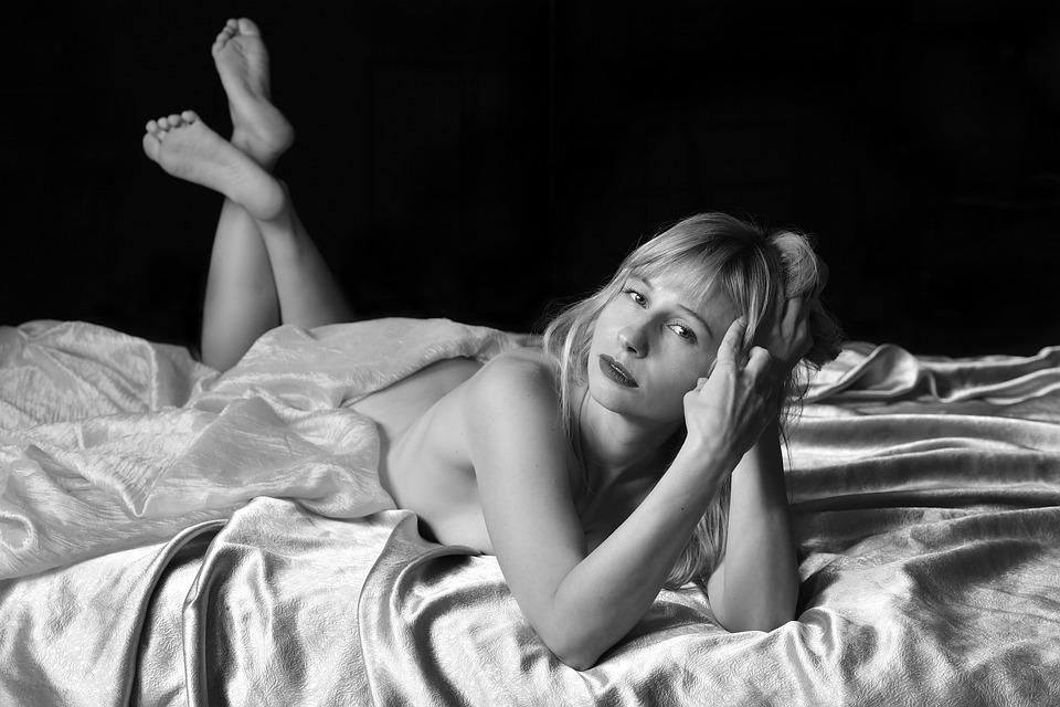 erotika, žena v posteli
