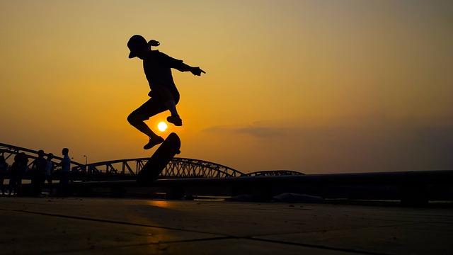 skok na skateboardu