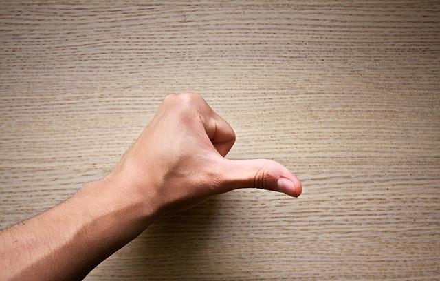 Palec mužskej ruky.jpg