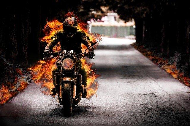 Ohnivý motorkár.jpg